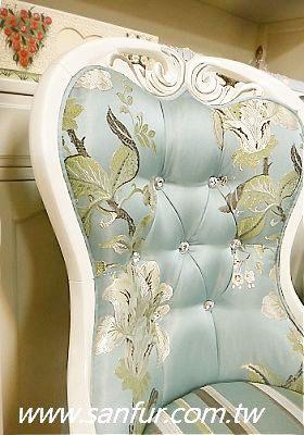 (停产)欧式古典白色餐椅. 银边 .实木餐椅.餐桌.艺术雕刻.蓝色牡丹.